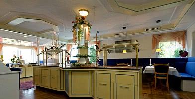 Das Restaurant bietet ortsbezogene, leckere Küche