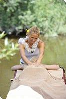 entspannende Massage im Garten