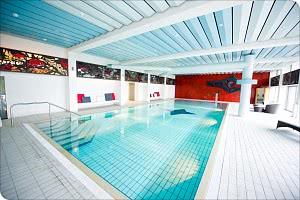 Das Schwimmbad im Wellness-Bereich des Hotels