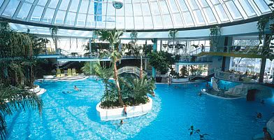 Spa - Schwimmbad / Glaskuppel