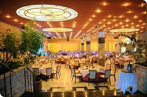 Restaurant mit Tiffanydecke