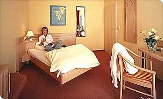 Zimmer Carina