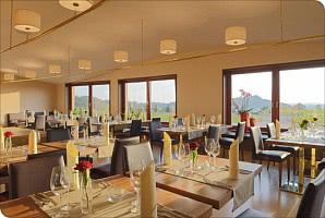 Restaurant mit Panoramafenster