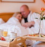 Ein prickelndes Sektfrühstück im Bett