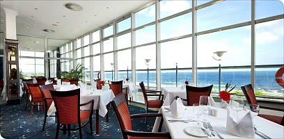 Mit Meerblick im Panorama-Restaurant speisen