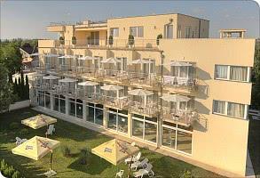 Hotel-  Gartenseite