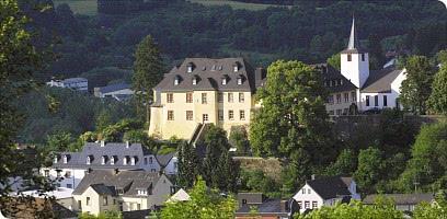 Sehenswürdige Umgebung: der Dauner Burgberg