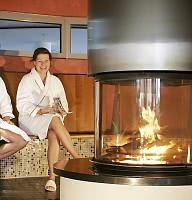 Bei prasselndem Kaminfeuer entspannen