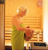 Frischer Aufguss in der Sauna