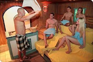 Beim Saunaaufguss