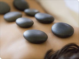 Behandlungen- Hot Stone Massage