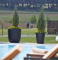 Pool - Golfplatzblick