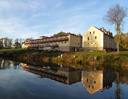 Hotel / Wiese