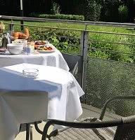 Frühstück auf Balkon