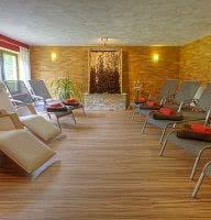 Sauna-Ruheraum mit Gradierwerk