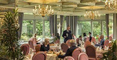 Hotelrestaurant mit Sonnenterrasse