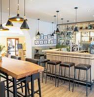 Tonis Bar